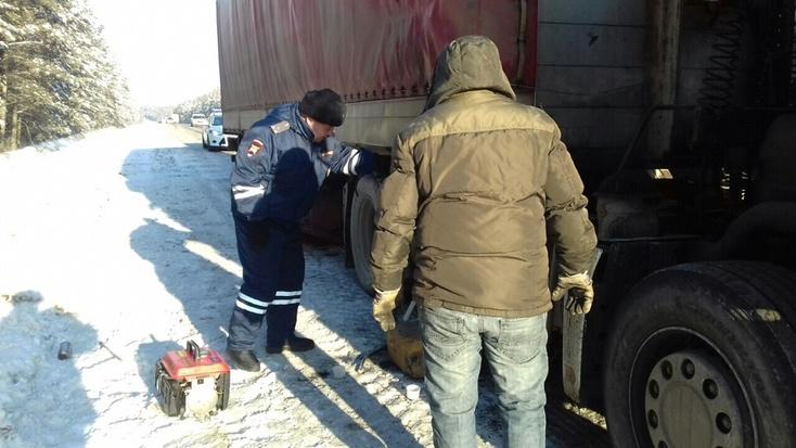 Натрассах Тюменской области из-за мороза глохнут дизели