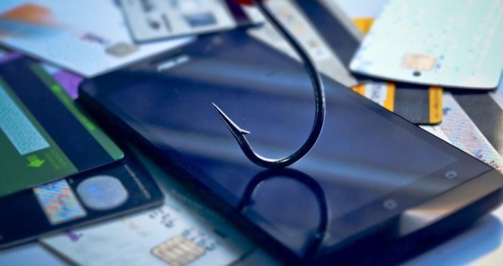 Телефонный мошенник изТюмени выкрал неменее 3 млн. украсноярских пожилых людей