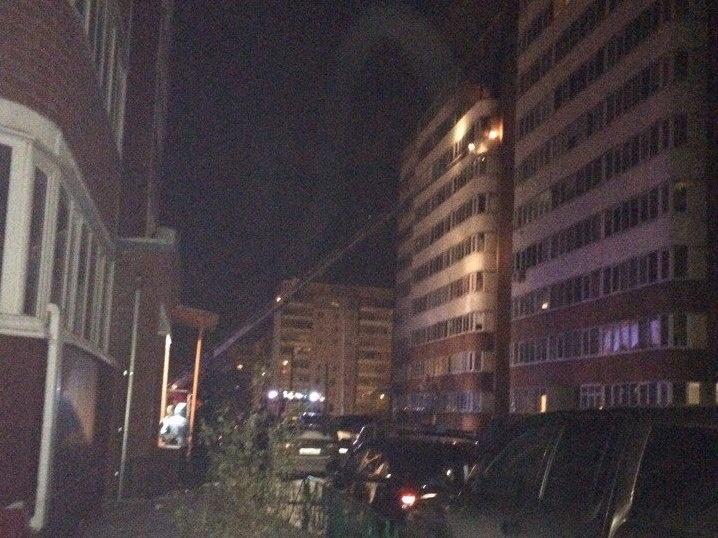 4 человека отправлены вмед. учереждение после пожара в многоэтажном высотном здании вТюмени