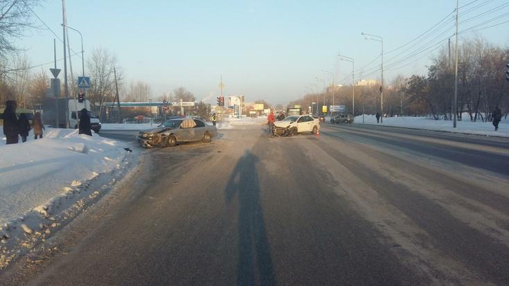Три автомобиля столкнулись вТюмени повине нетрезвого водителя