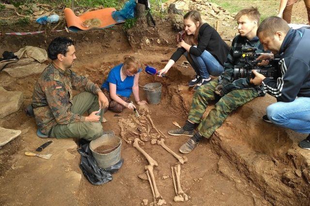 Тюменские археологи обнаружили захоронения с конем