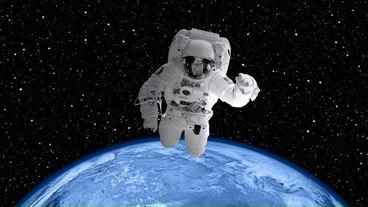 Размещены эффектные кадры прогулки русских космонавтов воткрытом космосе