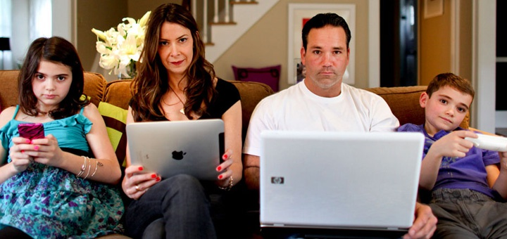 technology affecting family Overwhelming technology disrupting life and causing stress new study shows by rebecca coxon a new study shows that over one third of people feel overwhelmed by technology today and are more likely to feel less satisfied with their life as a whole.
