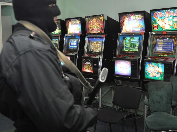 Казино голливуд тюмень хозяин автоматы играть в карты