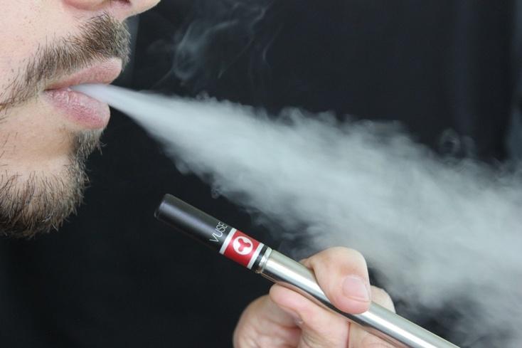 Ученые доказали заразность электронных сигарет