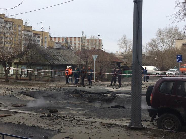 Вцентре Тюмени ограничено движение из-за аварий натеплосетях