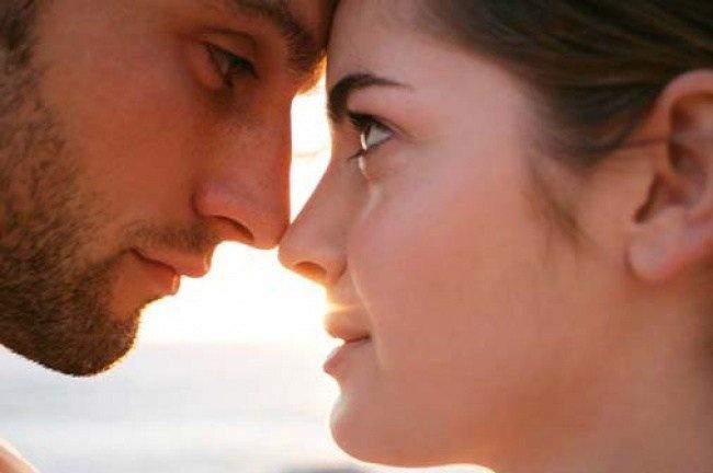 Влюбленного человека выдают расширенные зрачки— ученые