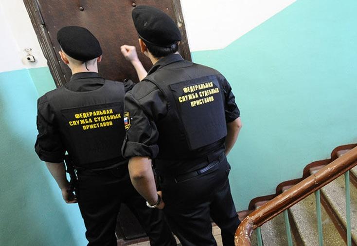 Тюменский алиментщик три раза вызывал скорую, чтобы неехать всуд