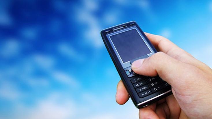 Учёные отыскали связь между применением телефона иобщением вреальности