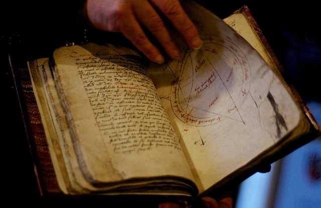 ВТюмени Роскомнадзор приравнял кпорнографии книги помагии