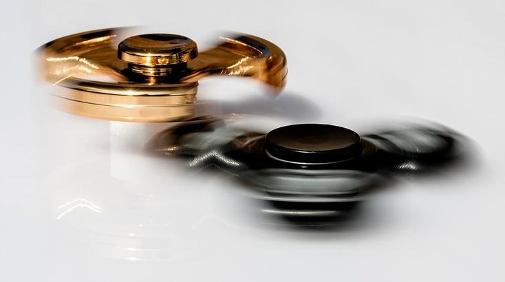 Создатели золотых «Айфонов» сПутиным выпустили спиннеры за999 тыс. руб.
