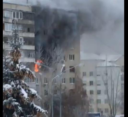 Изгорящей квартиры наулице Немцова вТюмени спасли четверых жильцов