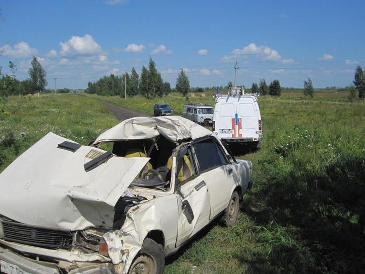 ВИшимском районе «Лада» врезалась встоящий «Урал»: умер шофёр без прав