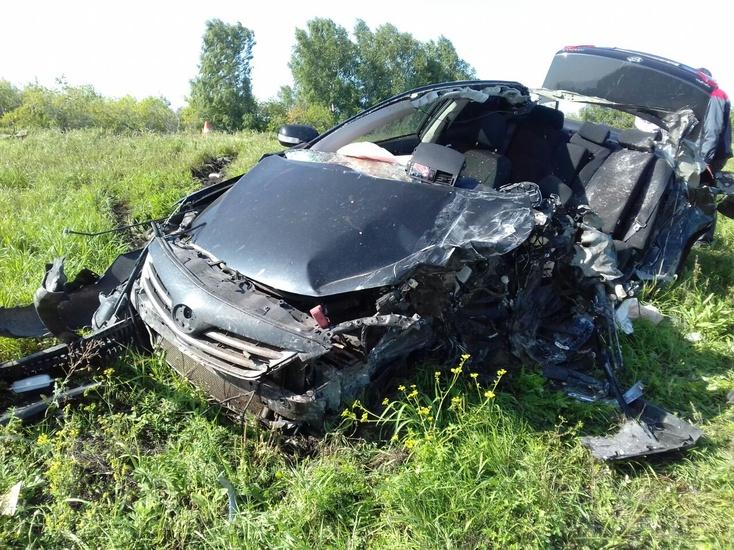 Натрассе Тюмень— Омск влобовой трагедии с грузовым автомобилем погибли два человека